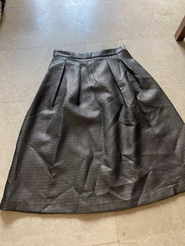 Oasis full bodied skirt