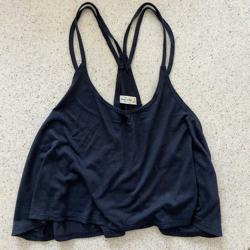 Abercrombie and Fitch - cropped top