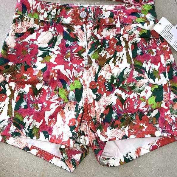 Summer shorts - Guess