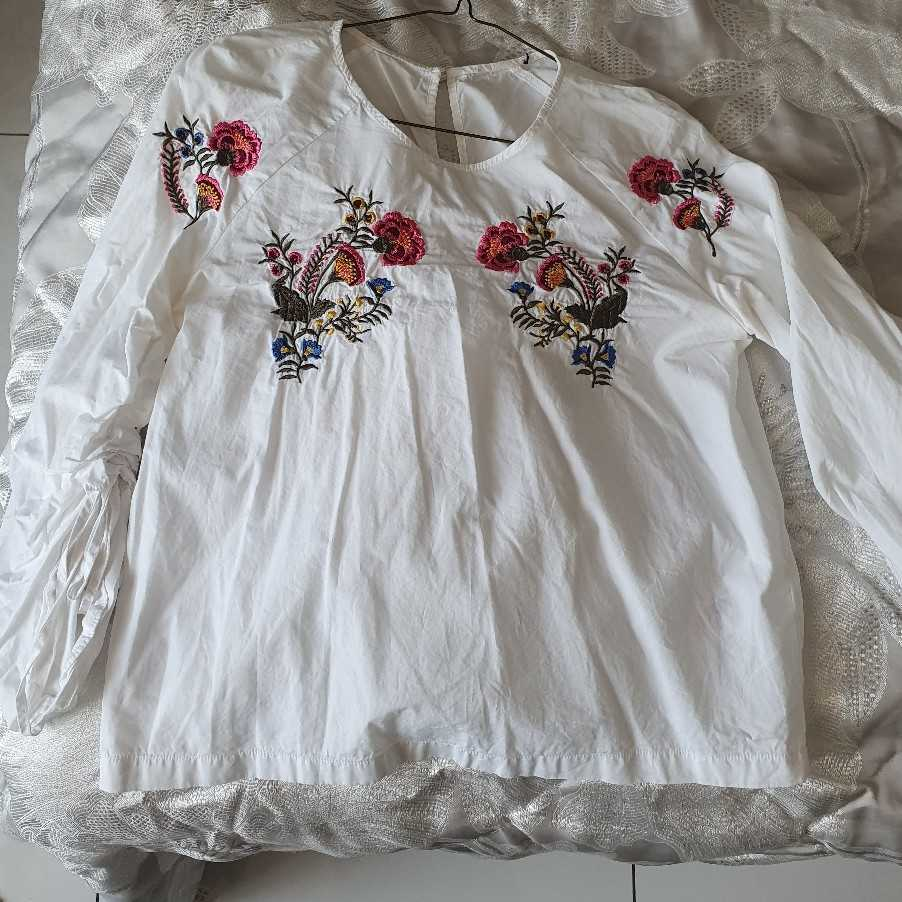 TOPSHOP blouse with ruffle sleeves