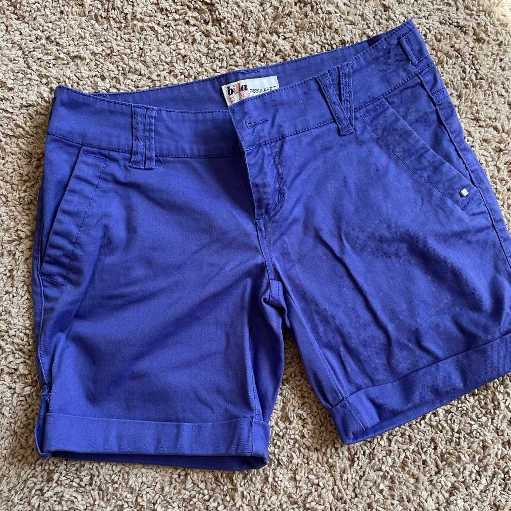 XS shorts by BILLABONG used