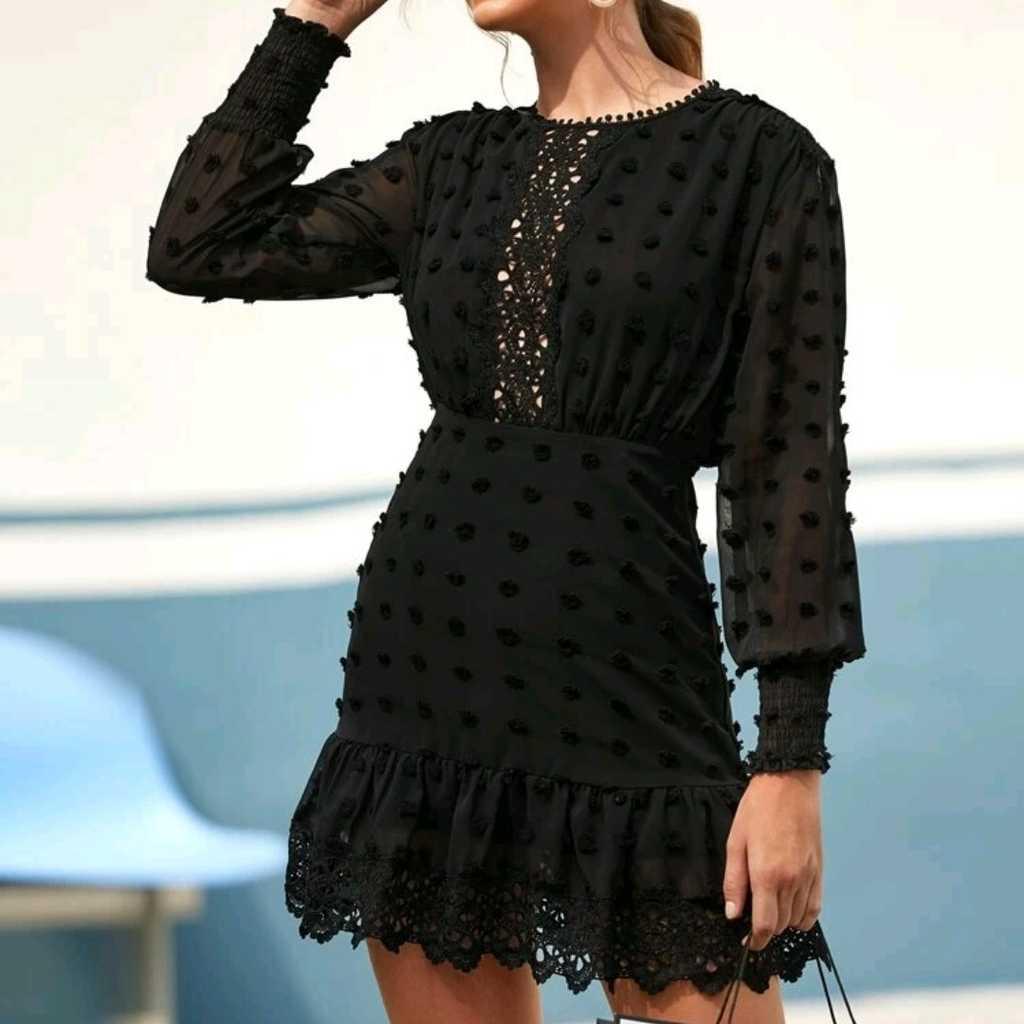 Beautiful Detailed Black Dress