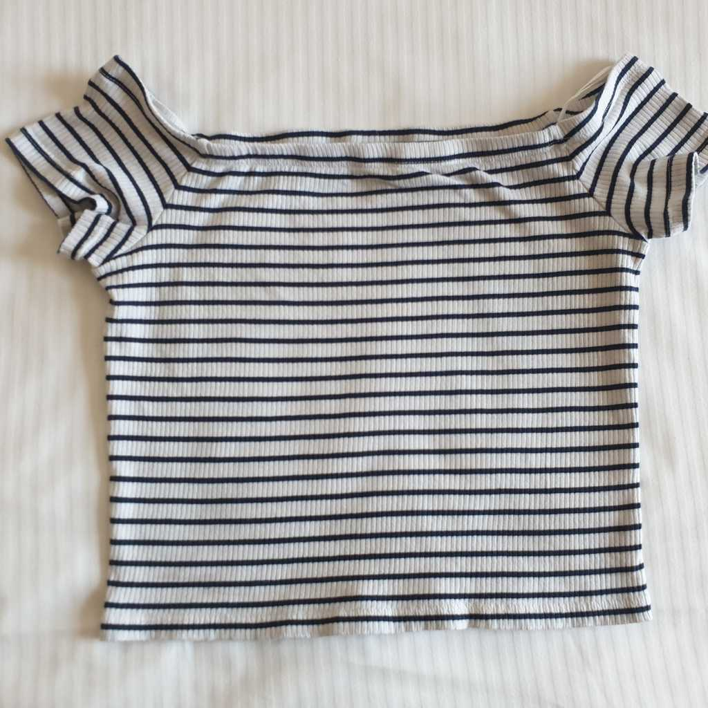 Short sleeved top