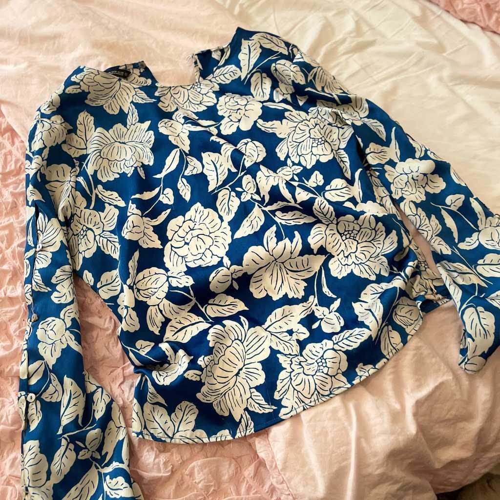 Zara blouse medium size