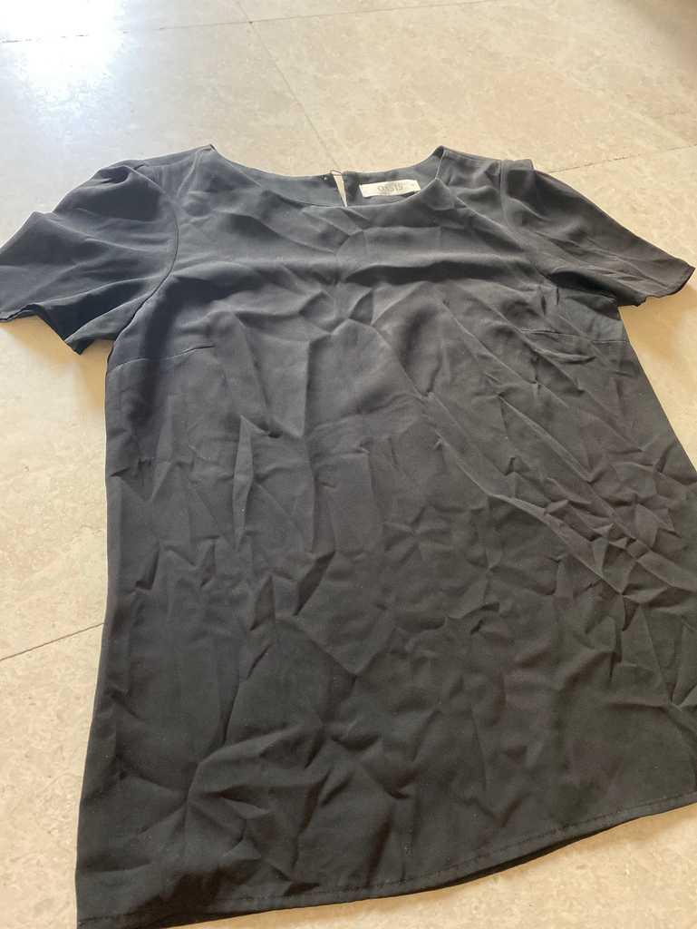 Oasis black blouse