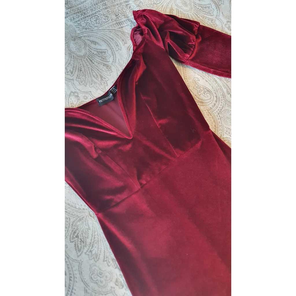 Pretty Little Thing Burgundy Velvet Dress