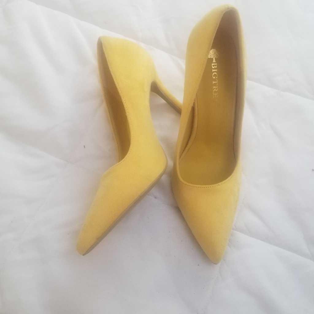 Yellow suede Heels