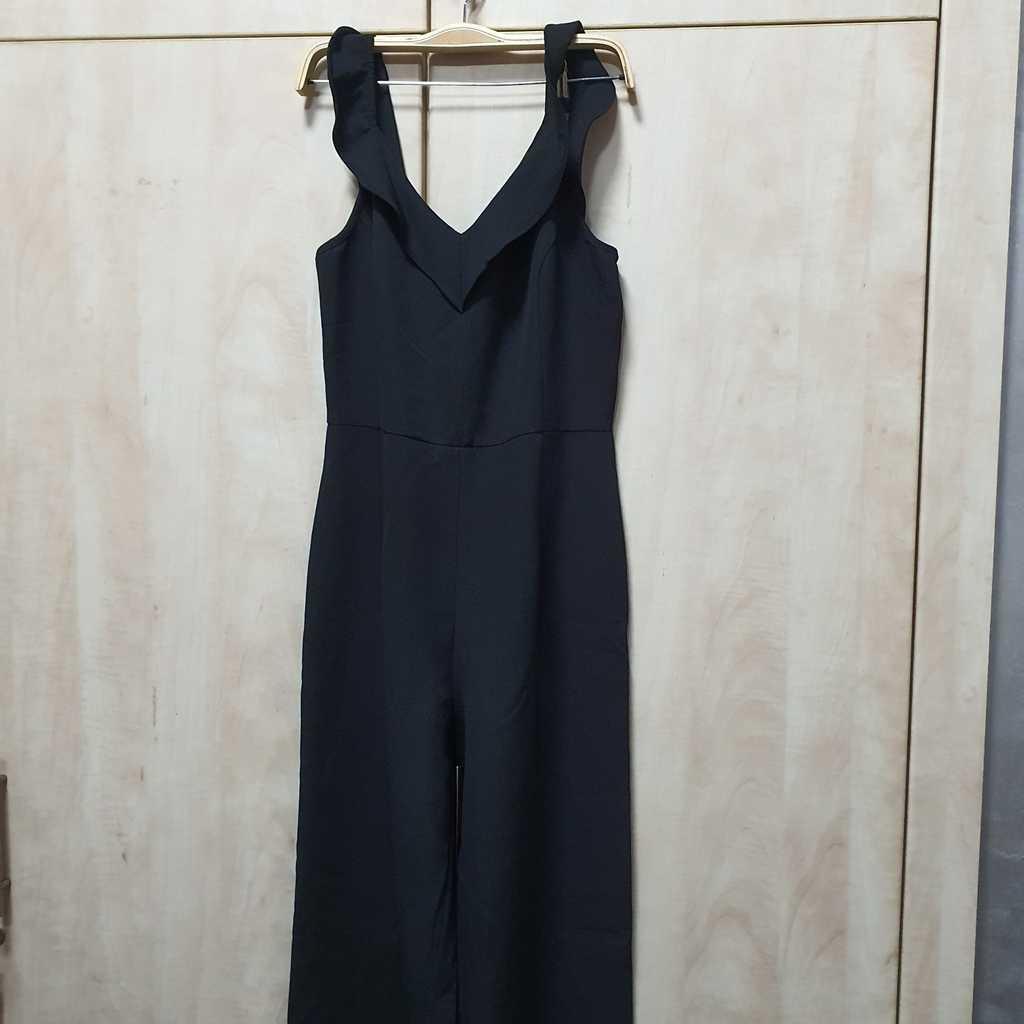 Trendyol black jumpsuit size 40