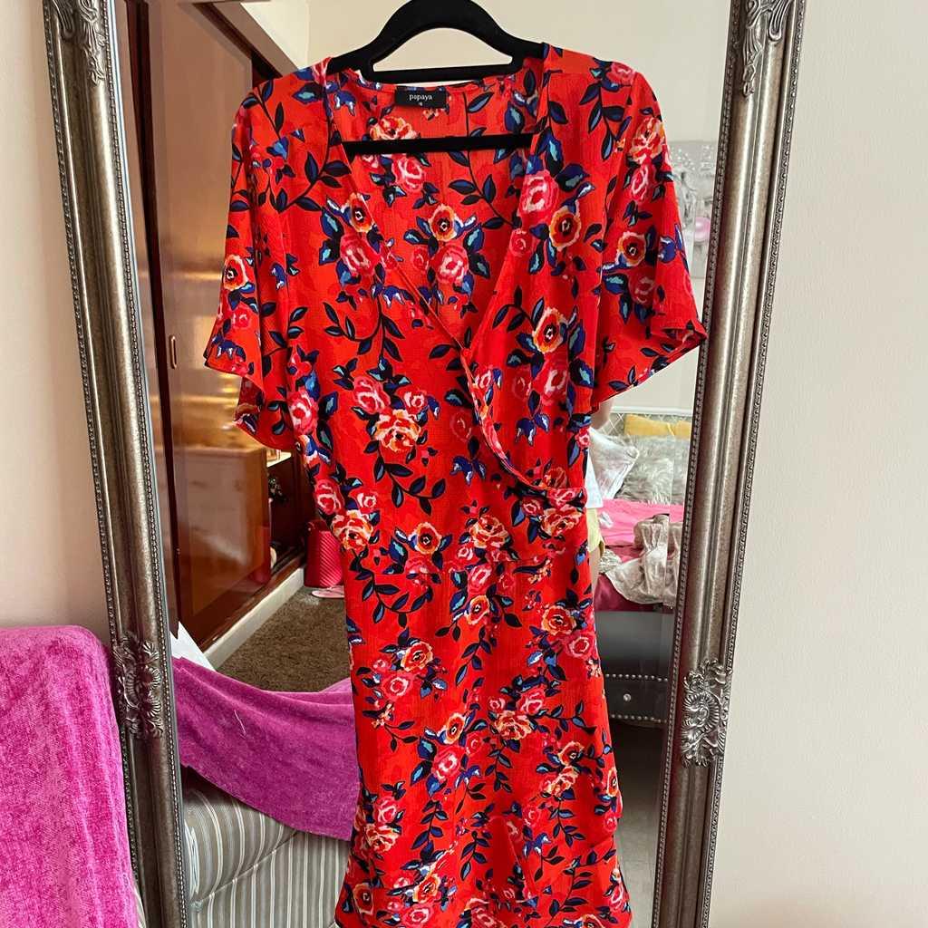 Wrap dress Matalan more of a 12 fit tie aroun