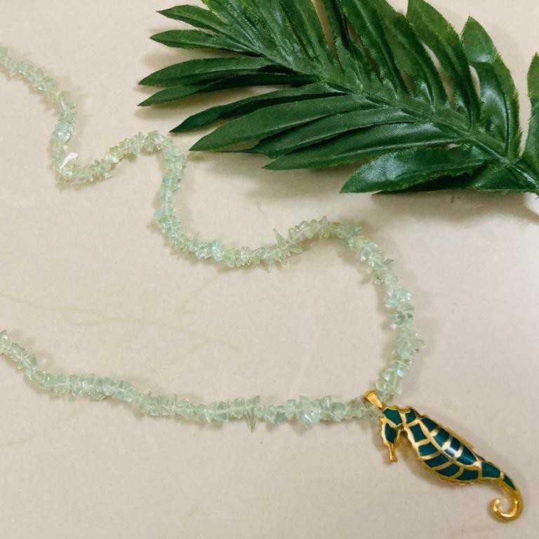 Long sea horse necklace