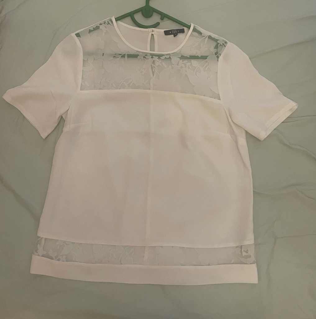 White blouse. Size 38/M