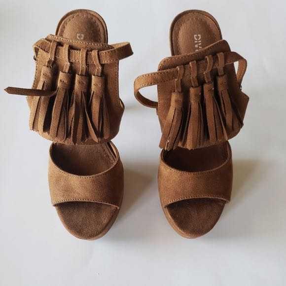 H&M Brown Suede Tassel Heels