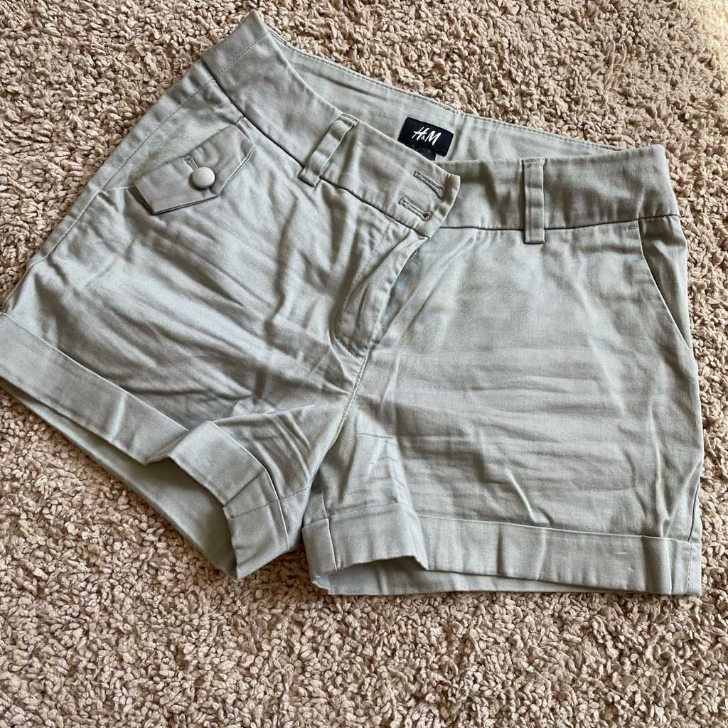 XS shorts by H&M