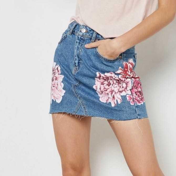 Topshop denim short skirt with flowers