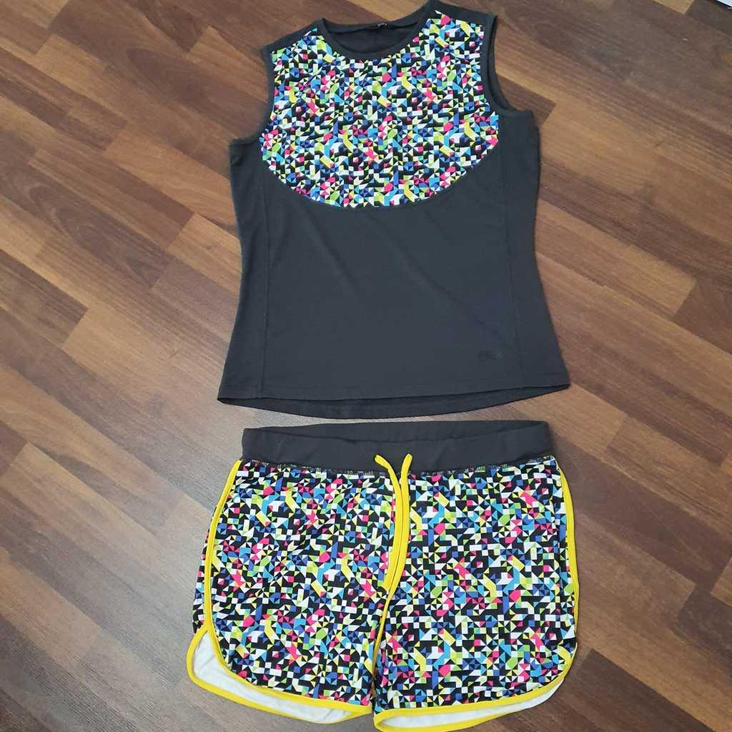 Splash Sleeveless Sports Top & Shorts