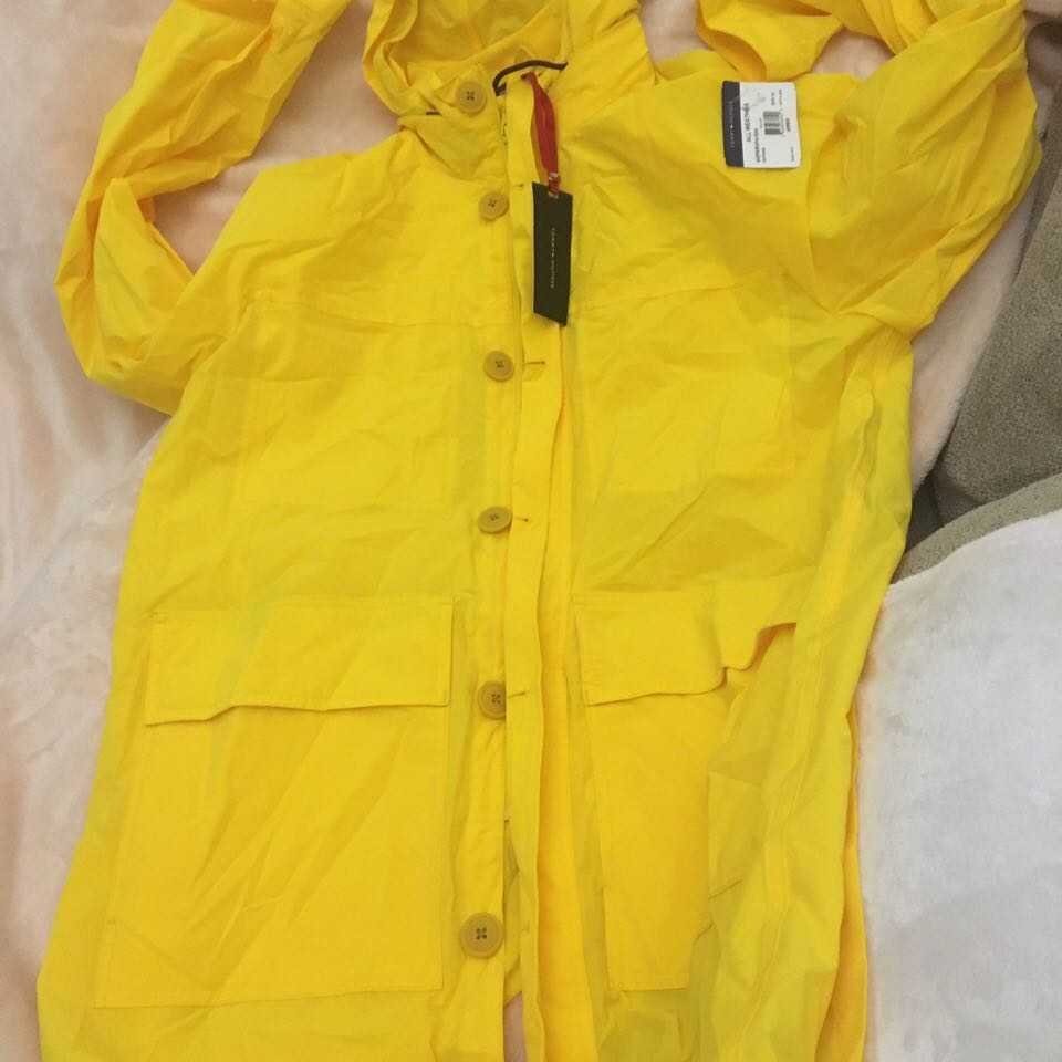 Tommy Hilfiger coat 350 USD on tag brand new
