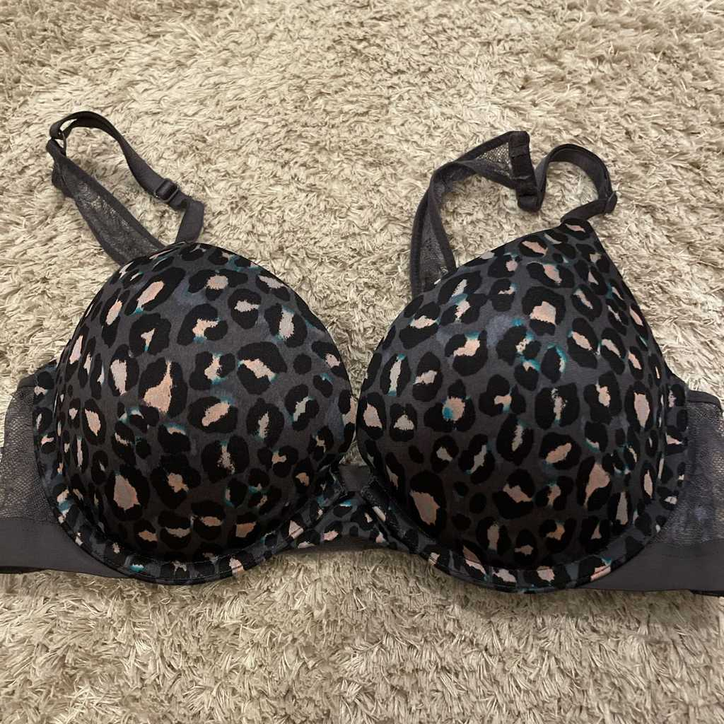 Victoria Secret bra worn once or twice 34C