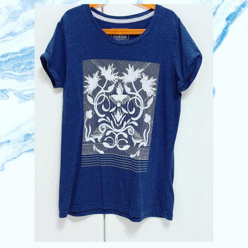 blue skinny tshirt