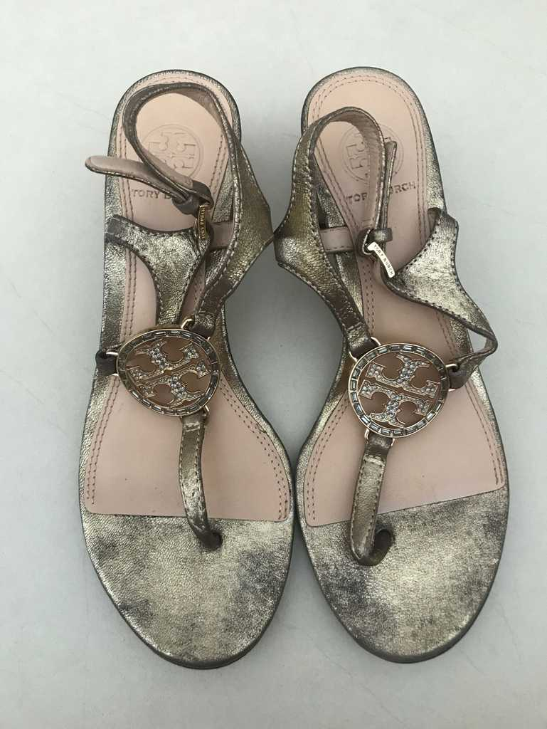 Authentic vintage looking Tory Burch sandals.