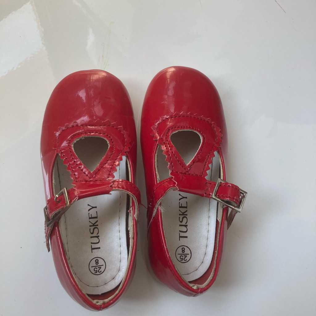 Red patent vintage design ballerina