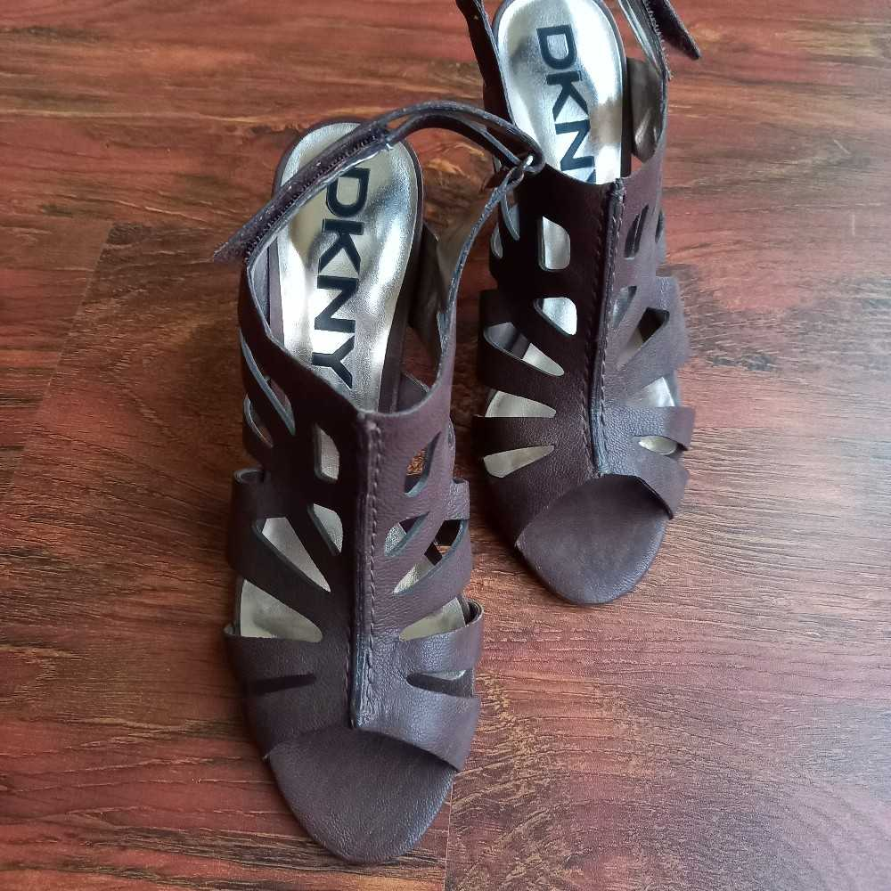 Brand New DKNY brown leather heels