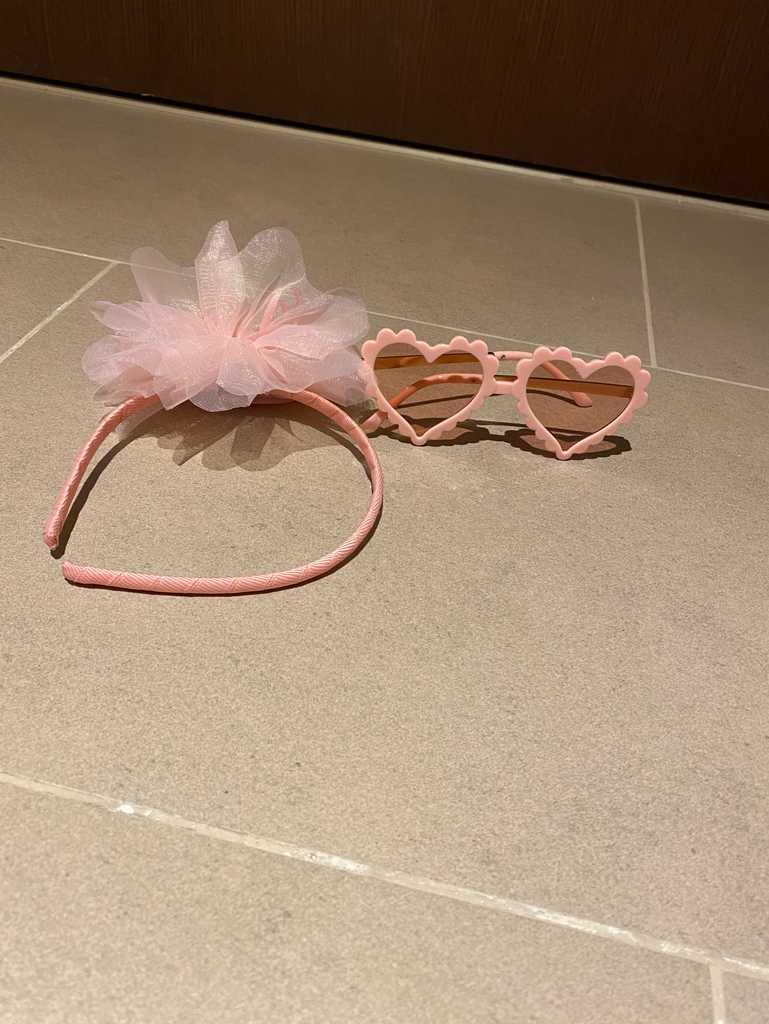 Kids sunglasses and matching headband