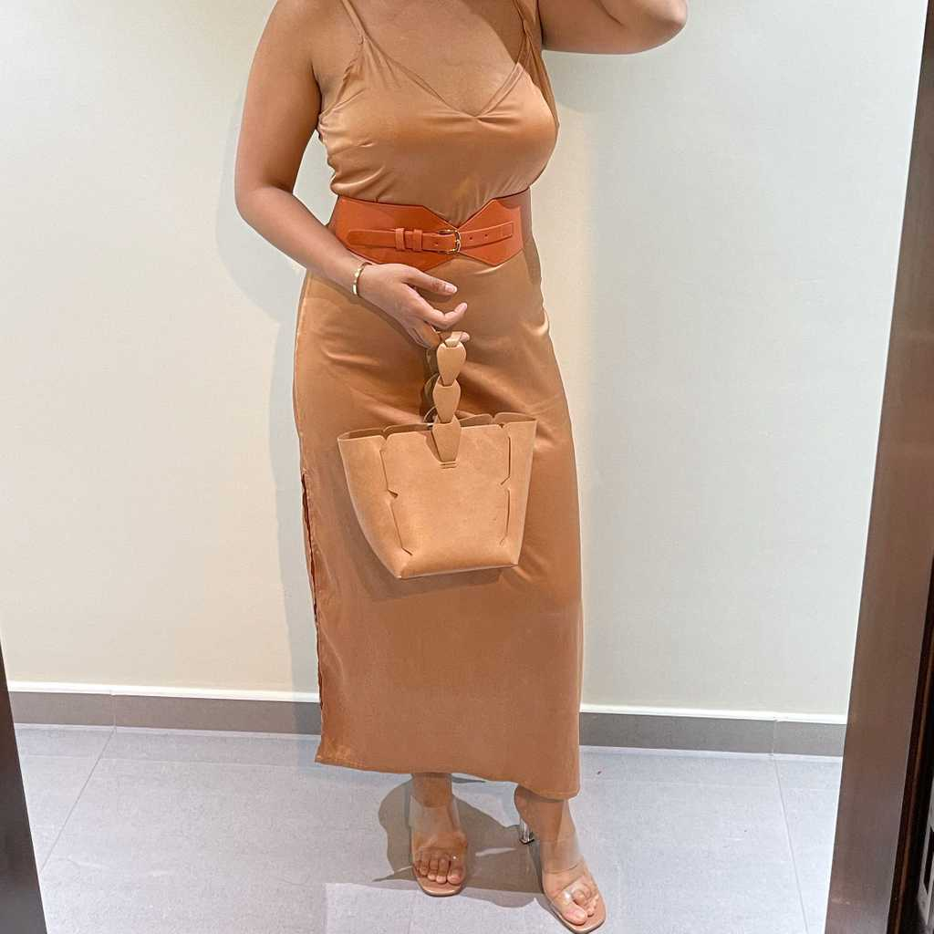 Beige dress with matching bag