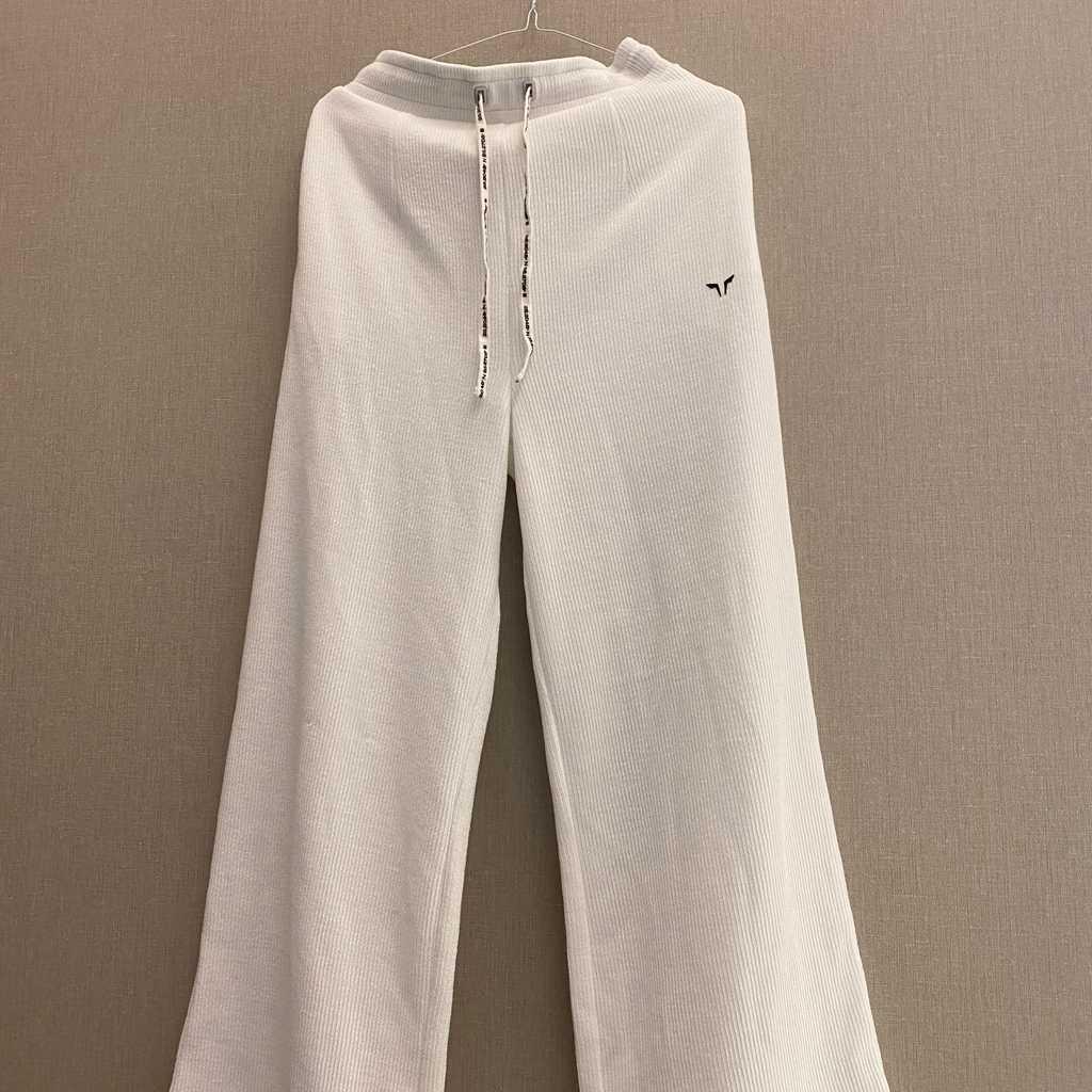 Medium sized pants from Squat Wolf.