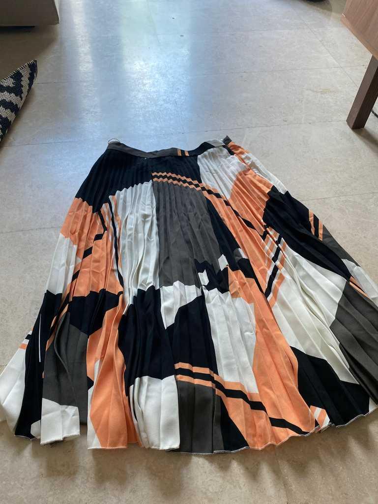 Next pleated skirt