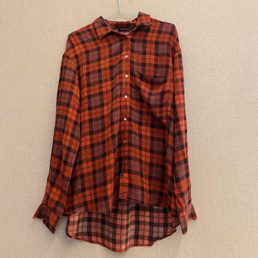 Medium size long sleeve shirt from Bershka.
