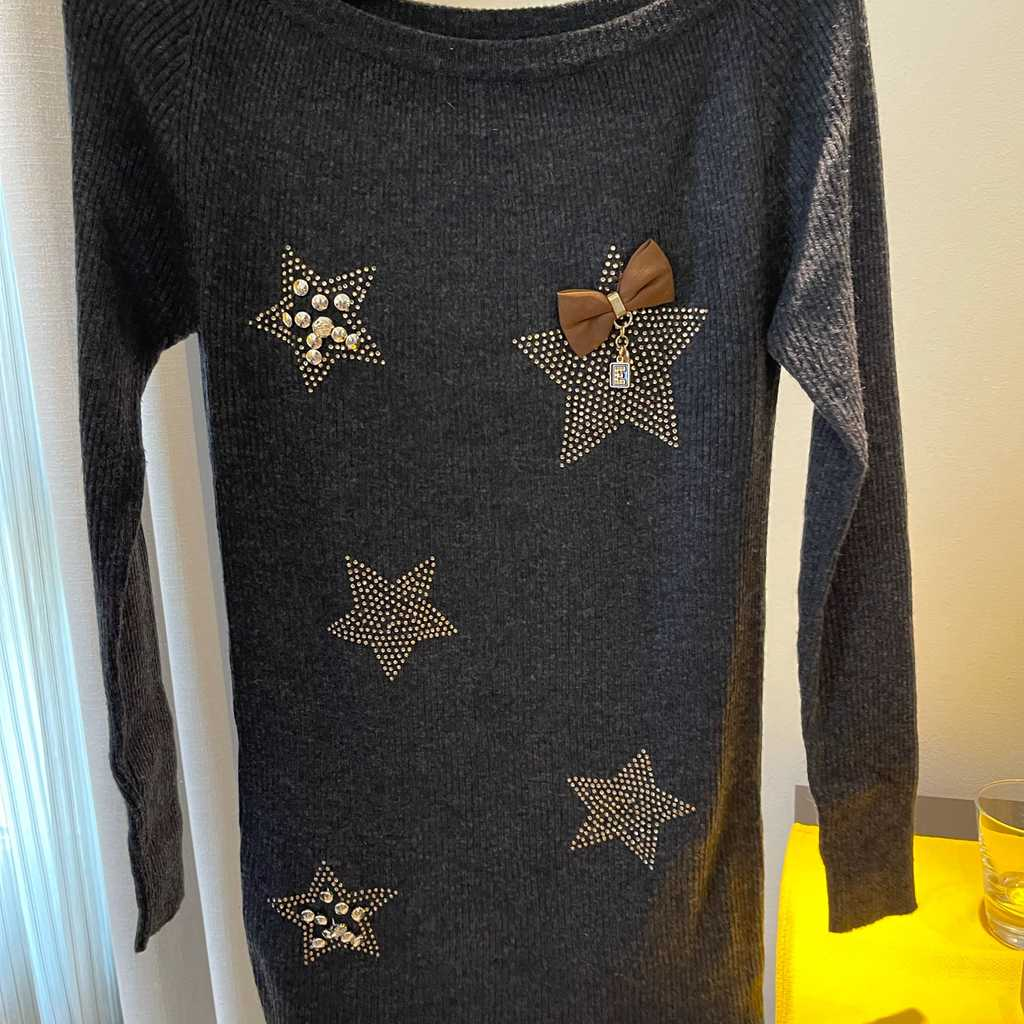 Long Sweater with embellishments