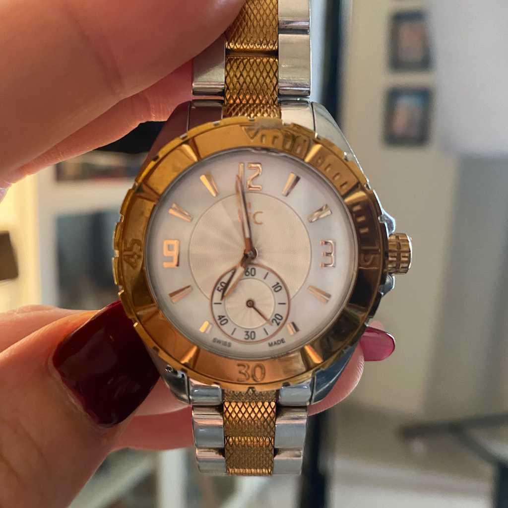 GUESS Gc Watch, Women, Rose Gold-Silver
