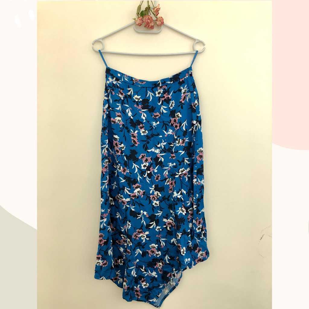🦋 Zara Floral Printed Blue Midi Skirt