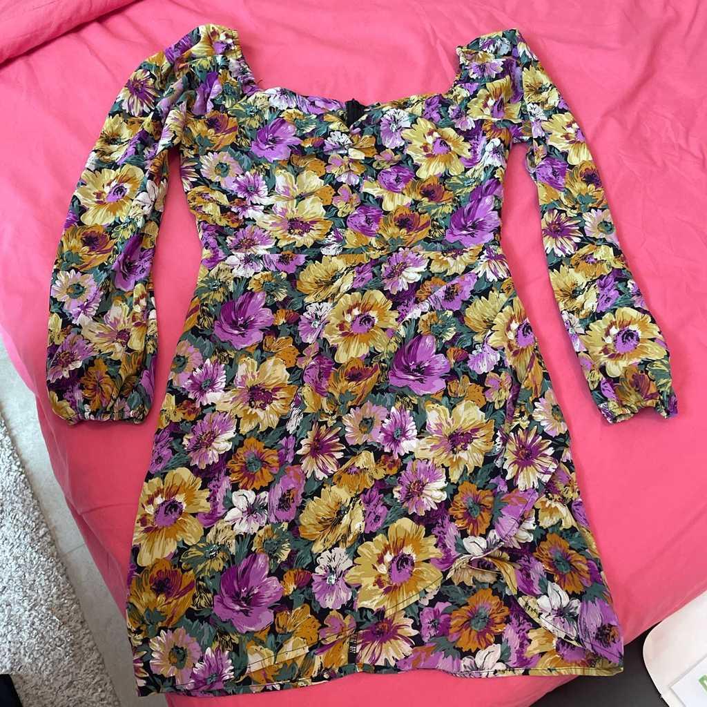 Purple floral dress worn twice medium fits 10