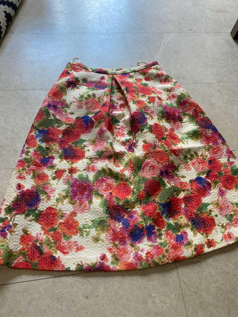 Oasis full bodied midi skirt