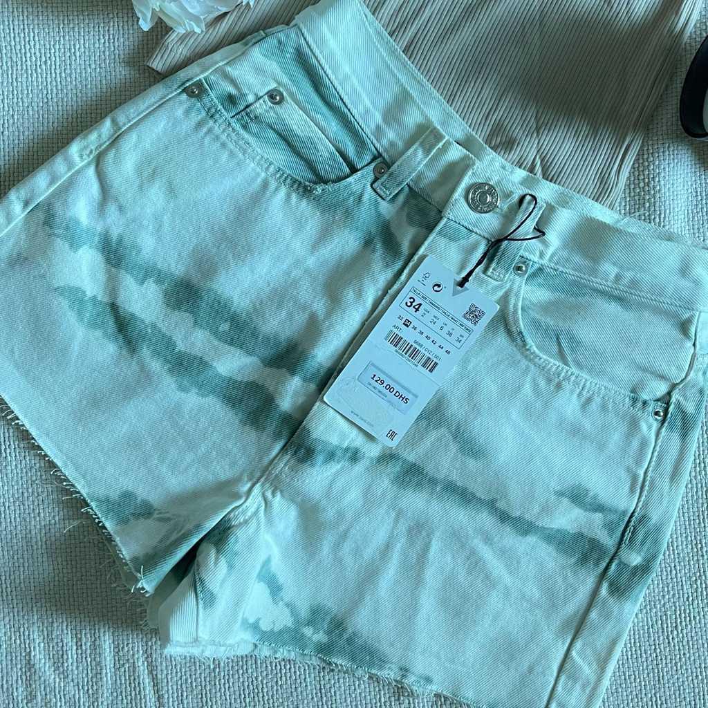 Zara shorts tags on